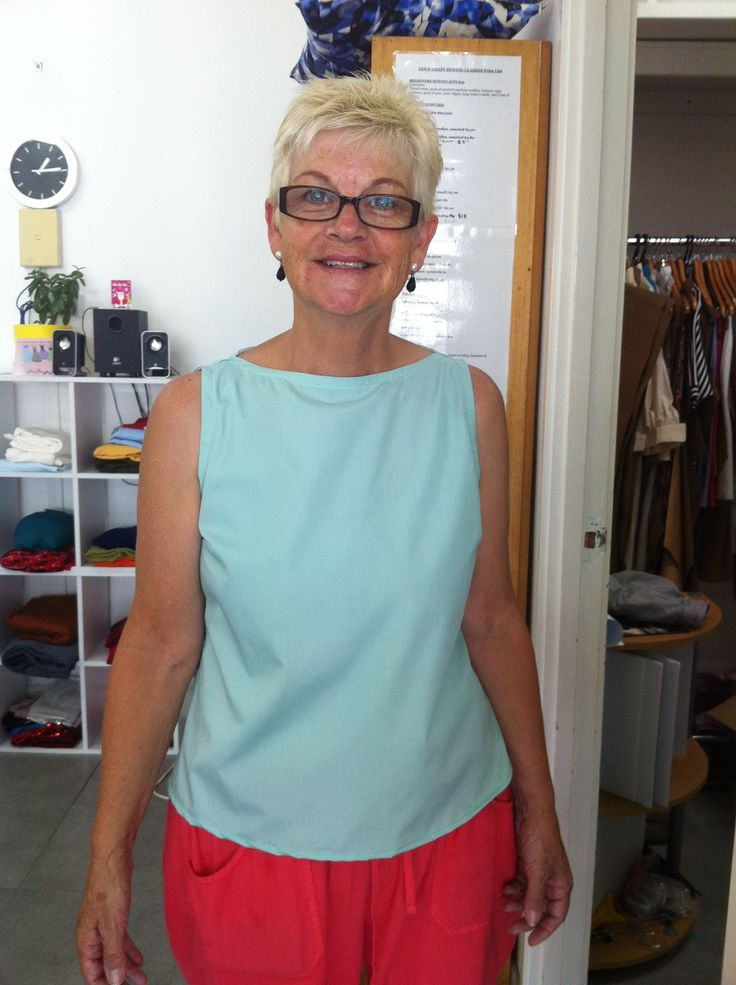 Summer Sleeveless Top-1960's Boat Neck style