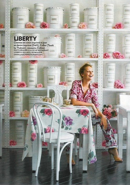 floral fashion fusionLiner Jokes, Stunning Editorial, Fashion Fusion, Afternoon Teas, Eye Candies, White Shelves, Floral Inspiration, Blossoms Girls, Floral Fashion
