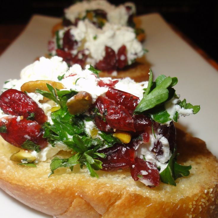 Cranberry goat cheese bruchetta - this would be good for Christmas