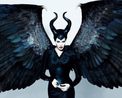Angelina Jolie, Maleficent adulta
