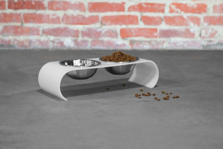 Infused with a blend of silky smooth acrylic and striking stainless steel bowls, the light and airy, Ashford Collection Pet Diner combines state-of-the-art materials into a work of art that is designed to leave an indelible impression.