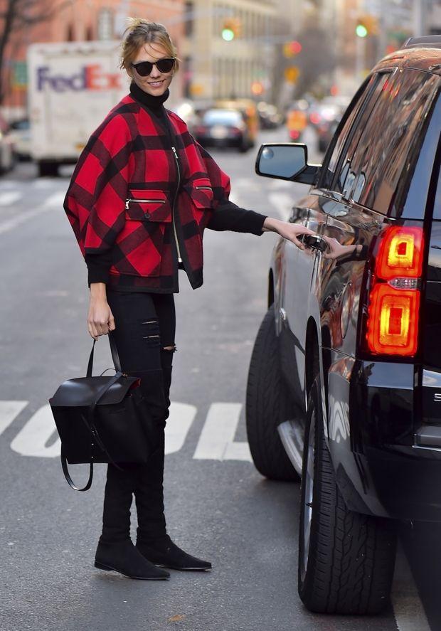 Американская топ-модель Карли Клосс - любимица не только дизайнеров и модных инсайдеров, но и обычных людей, которым импонирует ее улыбчивость илегкий нрав