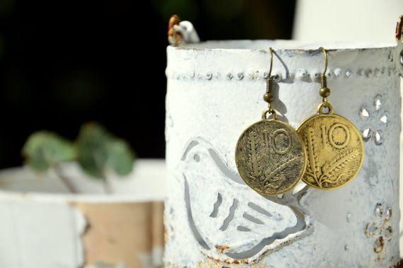 Orecchini con moneta tipo 10 lire vintage di EtVoilaBijoux su Etsy