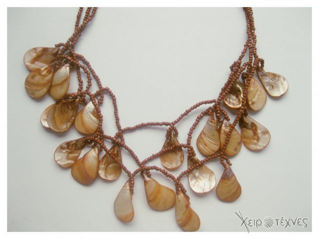 Hand made necklace 15euro+shipping cost Order:http://xeirotexnes.gr/items/%CE%BA%CE%BF%CE%BB%CE%B9%CE%B5-%CE%BC%CE%B5-%CF%87%CE%B1%CE%BD%CF%84%CF%81%CE%B5%CF%83-3%CF%80%CE%BB%CE%BF-1