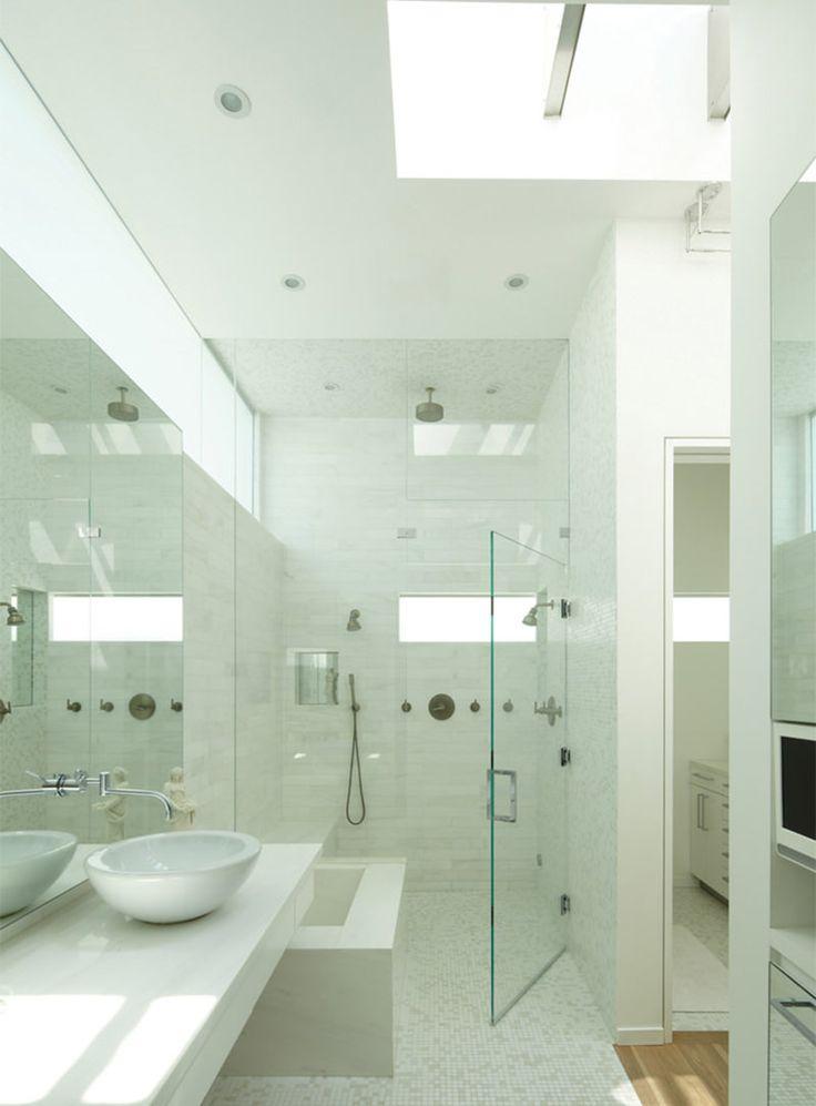 10-banheiro-branco-moderno-com-pastilhas