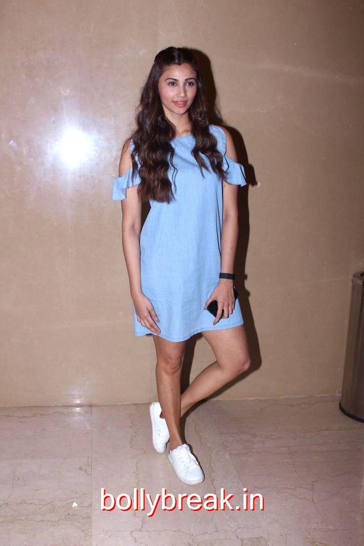 Daisy Shah at Days of Tafree premiere - 6 Pics