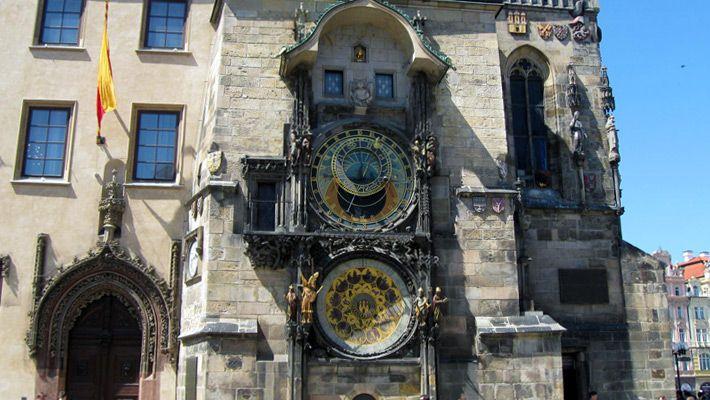 Ceasul Astronomic O vacanta in Praga in imagini - galerie foto. Vezi mai multe poze pe www.ghiduri-turistice.info