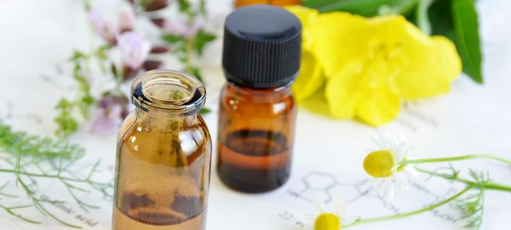 El aceite de onagra se utiliza para atenuar los síntomas del síndrome premenstrual, pero también tiene usos dermatológicos y ayuda a mejorar la circulación.