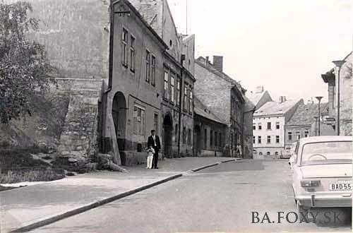 6052f5074d6 Ulice a námestia - Vysoká ulica - Pohľady na Bratislavu | Stará ...