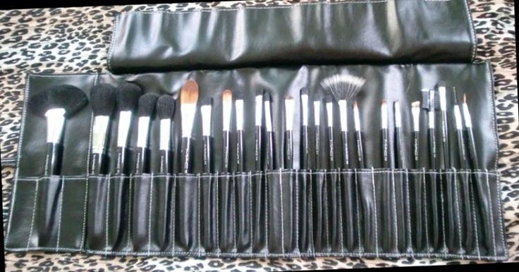 MAC Professional M.A.C. makeup brush set, 24 pc! NEW 38