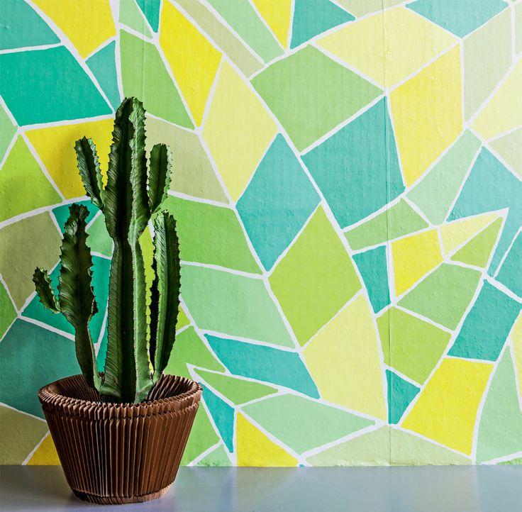 Renovação rápida - O artista plástico Enrique Rodríguez assina a nova linha de revestimentos vinílicos da empresa Decormax. São 21 estampas e opções de cores sólidas, capazes de mudar o visual de um ambiente em pouco tempo. O produto é aplicado facilmente sobre azulejos e paredes pintadas. Custa 350 reais, o rolo (10 m x 52 cm).