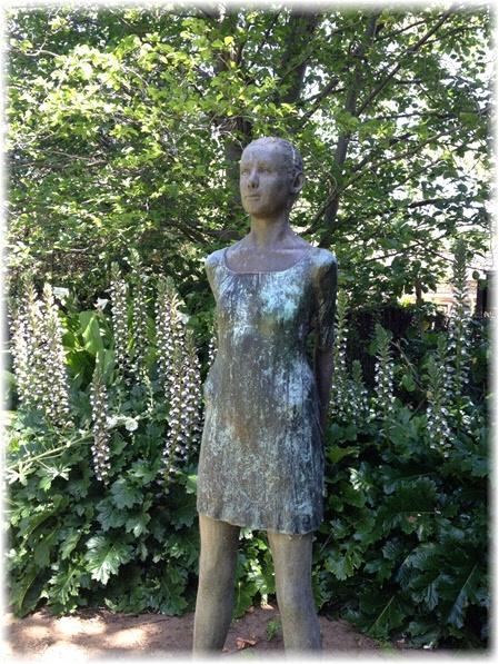 The Ballet Dancer sculpture by Melbourne artist Simon Brady nestles comfortably amidst the gardens of Walkerville House in Adelaide  http://www.walkervillehouse.com.au/wp-content/uploads/2012/11/Walkerville-House-The-Garden-Ballet-Dancer.jpg