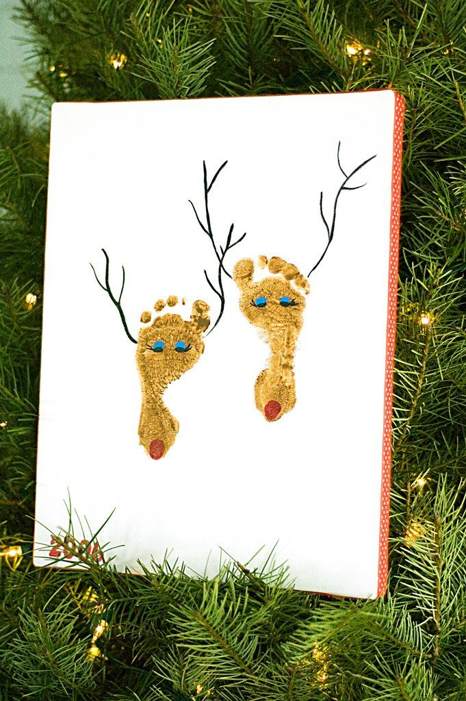 Footprint Reindeer. Christmas Cards, Footprints, Christmas Crafts, For Kids, Baby Feet, Foot Prints, Cute Ideas, Reindeer Footprint, Christmas Gift