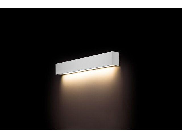 Kinkiet ścienny - sposób na oświetlenie obrazów w salonie #kinkiet #kinkietscienny #wystroj #mieszkanie