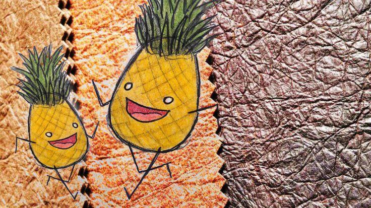 Le cuir d'Ananas, Pinatex !  Le matériau atypique a été créé aux Philippines par Carmen Hijosa, consultante dans l'industrie du cuir dans les années 1990. Elle affirme qu'il est possible de faire des chaussures, des sacs, des chaises, des canapés et une multitude d'objets utilitaires avec ces simples feuilles de fruit. cf-Mr mondialisation