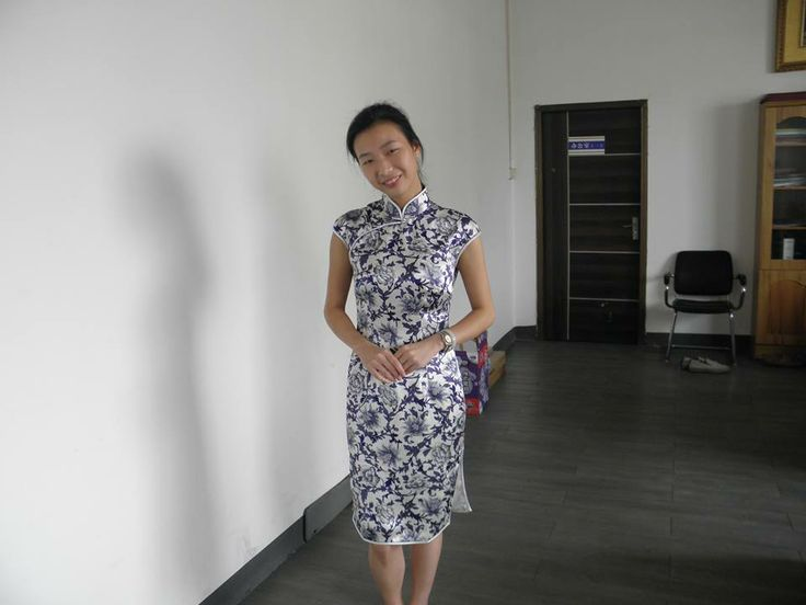 """Wow I'm really impressed! The workmanship and fabric is fabulous. This is a very comfortable cheongsam/dress and the fit is absolutely perfect! Communication is excellent and shipping time was very reasonable.""   Customer testmonials By Brienne (Australia)  Buy the same item from: http://www.elegente.com/silk-chongsam-dress-w-classic-blue-and-white-print.html"
