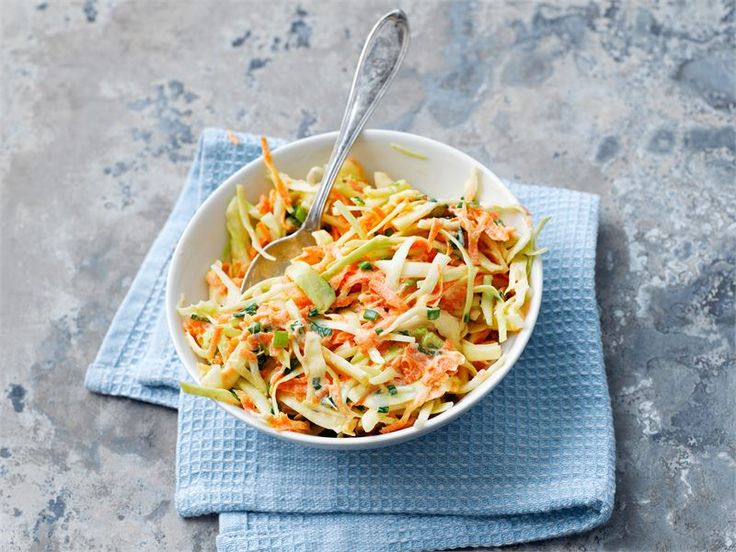 Coleslaw on amerikkalainen kaalisalaatti. Se sopii erilaisten liha- ja kalaruokien lisäkkeeksi. Erityisen hyvin coleslaw maistuu grilliruokien kanssa tarjottuna.