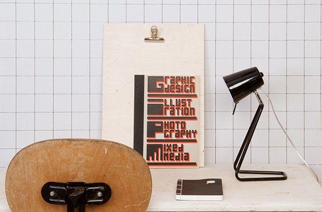 Yksinkertaisen kaunis musta Z-pöytävalaisin. PRESENT TIME®, Interiortodayfi lamppu, design, toimisto, työpöytä, kotikonttori, sisustus