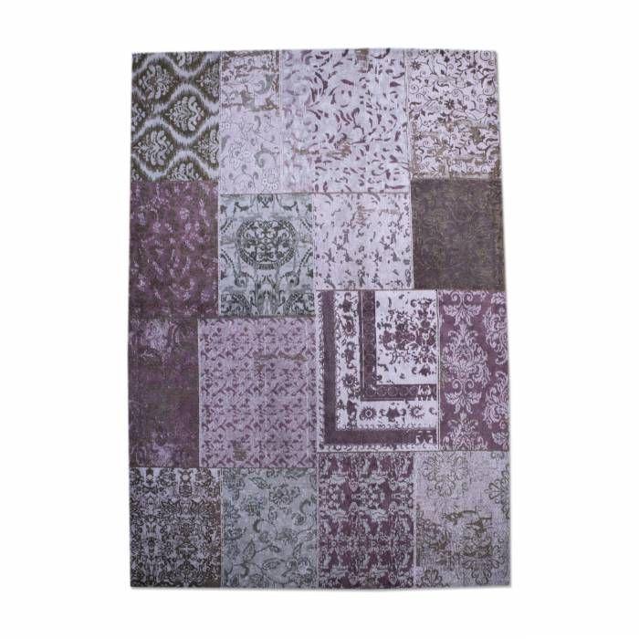 Tapijt Carpet Patchwork Paars 170x240 OP = OP  Description: Het Tapijt Carpet van By-Boo is een prachtig decoratief item dat je interieur helemaal compleet maakt! Het heeft een afmeting van 170x240 cm en een heel uniek dessin. Dit tapijt is een echte blikvanger en zal je meubels nog beter tot hun recht laten komen. Leg het in de woonkamer onder je salontafel neer of in de slaapkamer aan het voeteneinde van je bed. Met dit unieke tapijt van By-Boo geef je je interieur gegarandeerd een nieuwe…