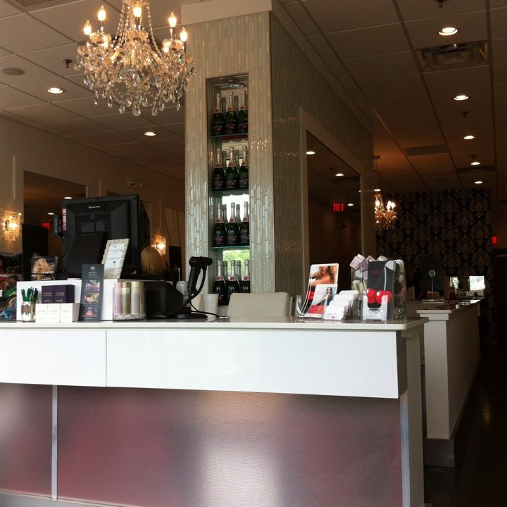 Cherry Blow Dry Bar In Tallahassee, FL