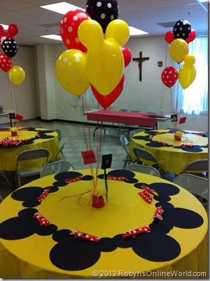 Mickey and Minnie Mouse table arrangement