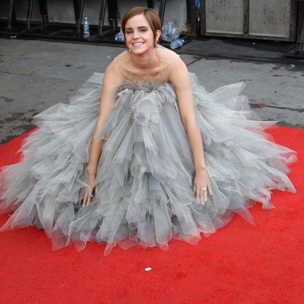 Love itStyle, Harrypotter, Beautiful Women, Emmawatson, Emma Watson, Red Carpets, Harry Potter, The Dresses, Grey Dresses