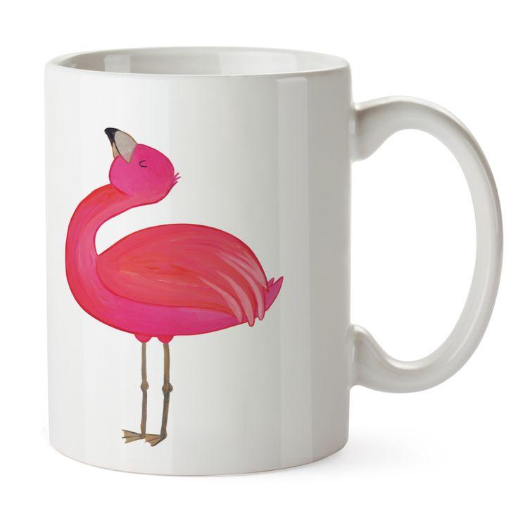 Kunststoff Tasse Flamingo stolz aus Kunststoff  Weiß - Das Original von Mr. & Mrs. Panda.  Unsere Kunststoff Tasse sind einfach perfekt für Kinder oder für deinen nächsten Ausflug - wir empfehlen die Handwäsche für dieses besondere Produkte. Unsere bruchfesten Tassen haben eine Höhe von 90 mm und eine Breite von 80mm.    Über unser Motiv Flamingo stolz  Flamingos sind das Sommermaskottchen schlechthin. Wenn wir die pinken Paradiesvögel sehen, denken wir sofort an Sommer, Sonne, Sonnenschein…