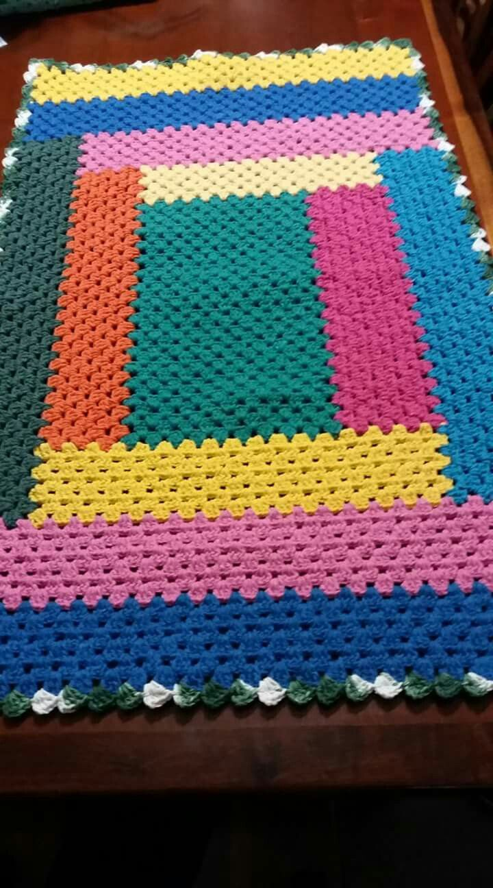 Tapete croche retangular colorido