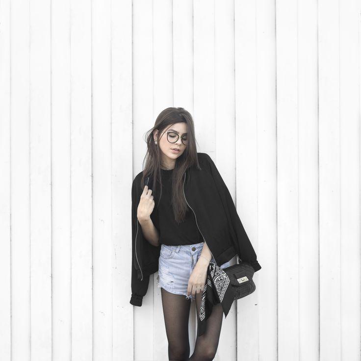 Tights and shorts! ✨ Instagram: @alinezotti_