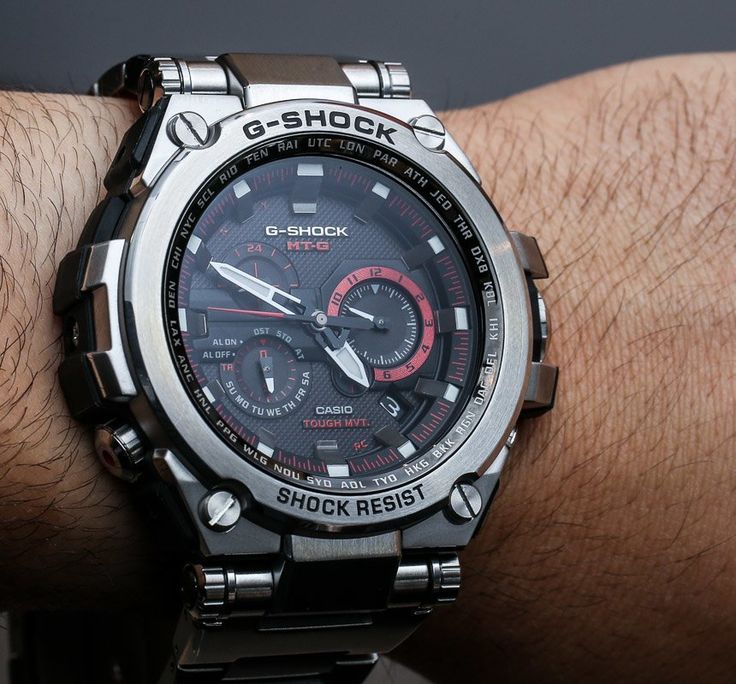 Hands-on review of the first full steel Casio G-Shock to come to the US. The Casio G-Shock MT-G MTGS1000 collection of high-end G-Shocks.