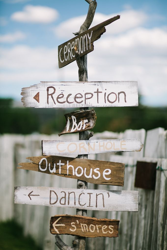 rustic wedding directional sign | Joe+Kathrina | Glamour & Grace