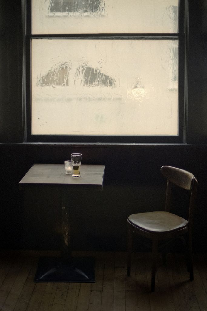 ideally simple: Tables Chairs, Drinks Coff, Rain Window Coff, David Teter, Whales Inspiration, Hot Drinks, Photo, Window Seats, Low Lights