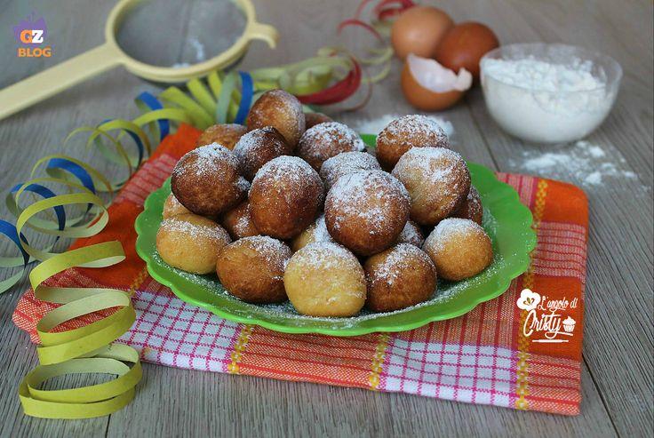 Le castagnole sono dolci tipici di Carnevale semplici da fare e buonissimi !
