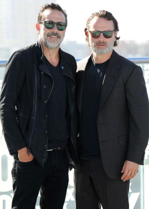 Daily The Walking Dead Cast #andrewlincoln #jeffreydeanmorgan #sdcc