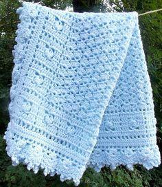 He encontrado este interesante anuncio de Etsy en https://www.etsy.com/es/listing/199673447/heirloom-blue-baby-blanket-crochet-baby