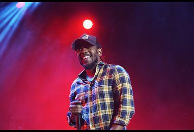 Kendrick Lamar Gets Comfortable at Essence Festival 2016