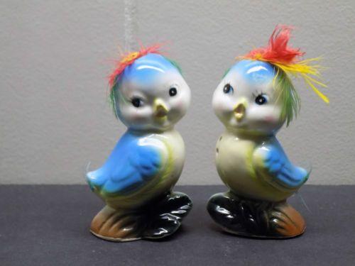 Vintage-Lefton-Sweet-Baby-BLUEBIRD-w-FEATHERS-Anthro-Salt-Pepper-Shaker-Set