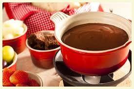 O Que Tem na Minhha  Panela: Fondue de Chocolate