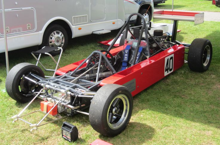 Naked Van Diemen RF82  (A)