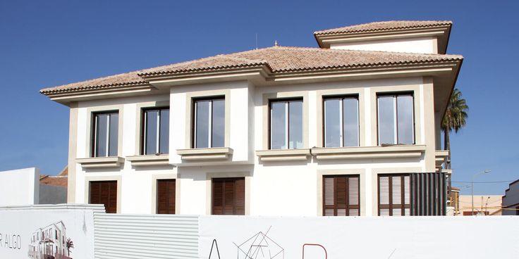 Edificio de dos viviendas en construcción. Arquitania Business.