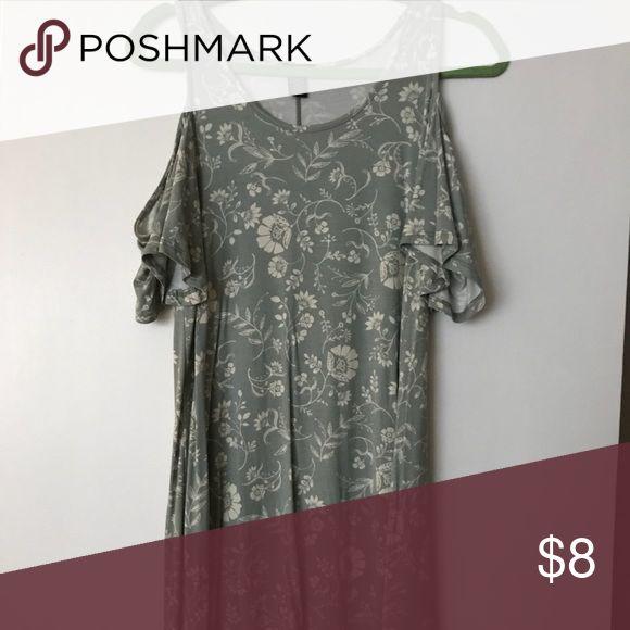 Rue 21 dress Great flowy summer dress with cold shoulder detail! Rue 21 Dresses Mini