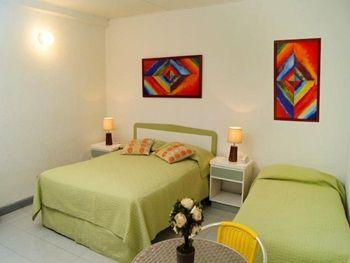 Habitación triple Hotel Verde Mar en San Andrés