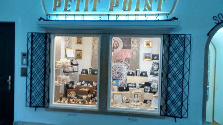 Petit Point, Maria Strarsky, Süsse Mitbringsel aus Wien Nähe Hofburg