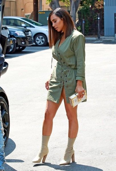 Kim Kardashian Photos - Kanye West And Kim Kardashian At Ysabel Restaurant - Zimbio
