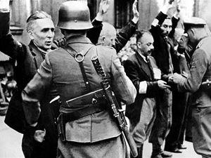 10 sierpnia 1942 r. Niemcy rozpoczęli wielką akcję likwidacyjną getta lwowskiego, będącego jedną z największych zamkniętych dzielnic żydowskich w okupowanej Europie. Do 23 sierpnia do niemieckiego obozu zagłady w Bełżcu wywieziono 50 tys. Żydów. Żydów bito i mordowano, rabowano ich majątek, nakładano na nich ogromne kontrybucje, palono synagogi i demolowano należące do nich sklepy. Według Raportu Katzmanna do końca czerwca 1943 r. Niemcy zamordowali ok. 435 tys. galicyjskich Żydów.