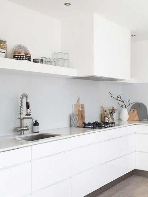 25 beste idee n over keuken opstellingen op pinterest interieurontwerp keuken keuken idee n - Credence cement tegels ...