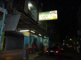Rumah Makan Nelayan Makassar, Makanan Enak Di Makassar http://anekatempatkuliner.blogspot.co.id/2016/12/makanan-enak-di-makassar-yang-wajib.html