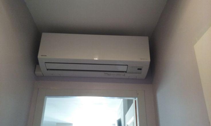 Installation d'un Split Toshiba - pompe à chaleur air air #PAC, #Clim #Climatisation  Consulter avis et photos sur AA Energie, Climaticien à Albi  Demande de devis climatisation en ligne  https://www.eldotravo.fr/pro/aa_energie