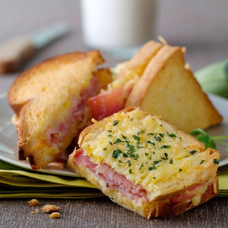 Découvrez la recette Croque monsieur au four sur cuisineactuelle.fr.