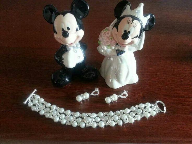 My wedding jewellery. #glasspearls #whitepearls #silverbeads #diamantespacer #bracelet #earrings #weddingjewellery #3row #sterlingsilver